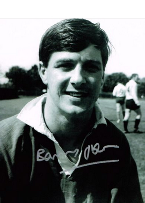 Wales and British Lions legendary fly half BARRY JOHN signed photo.