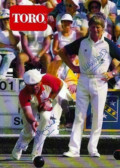 Six times World Bowls champion DAVID BRYANT (Eng) and WILLI WOOD (Sco) signed brochure.